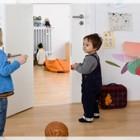 Bagaimana Membantu Anak Yang Begitu Pemalu Ketika Berada di Luar Rumah?